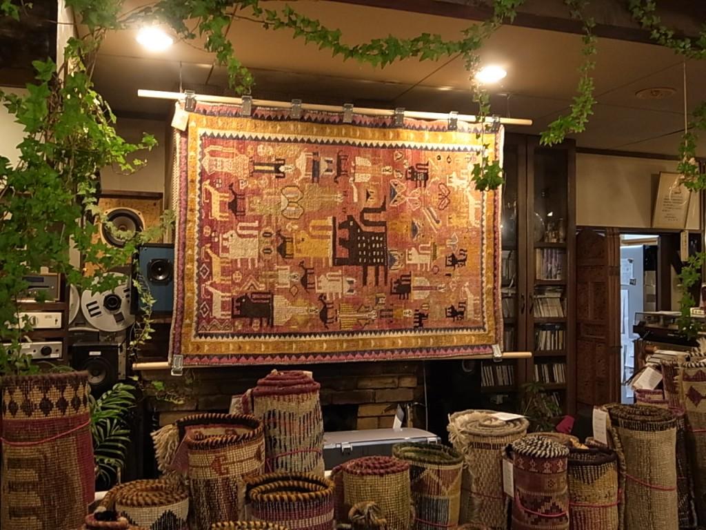 8月31日(日)まで蓼科高原ロッジグランシャルモで絨毯展を開催しています。